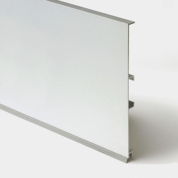 Suporte de Alumínio para o Rodapé Cozinha