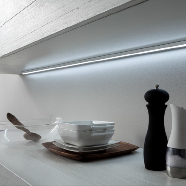 Perfil de Alumínio com Iluminação LED Inglês